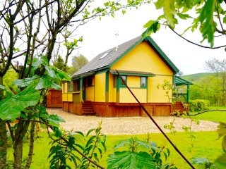 Comfortable 2 bedroom Rhayader Lodge with Washing Machine - Rhayader vacation rentals