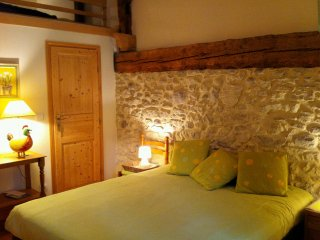 Bright 1 bedroom Vacation Rental in La Balme-de-Sillingy - La Balme-de-Sillingy vacation rentals
