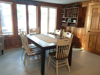 Beautiful Pemaquid Lake Cottage - Nobleboro vacation rentals