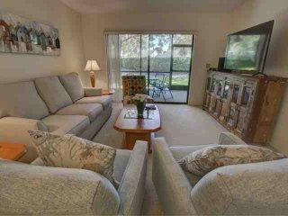 Sarasota's golfing, shops and beaches in a comfortable condo - Sarasota vacation rentals