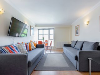 Baker Street Apartment up to 8 people - London vacation rentals