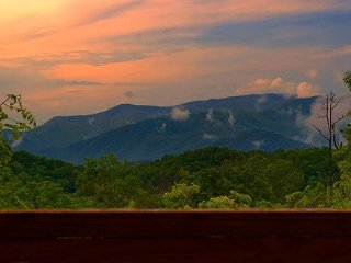 Mountaintop View, Secluded, Fireplace, King Bed - Bryson City vacation rentals
