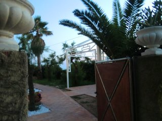 Nice Condo with Deck and A/C - Isola di Capo Rizzuto vacation rentals