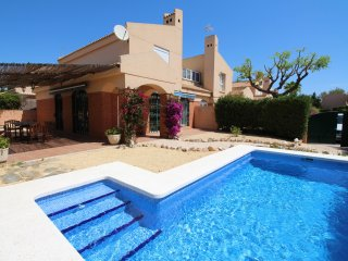 BUNGALOW PLAYA DEL AMERADOR - Campello vacation rentals