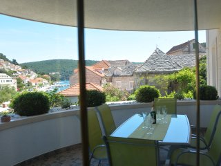 Apartments Mladinic A2 - Pucisce vacation rentals