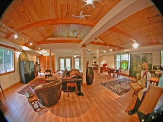 Shady Acres ~ Lake Michigan Beaches ~ 6 miles away - Bangor vacation rentals