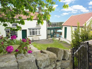 Comfortable House with Balcony and Central Heating - Danby vacation rentals