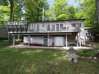 Perfect 4 bedroom Ontario Cottage with DVD Player - Ontario vacation rentals