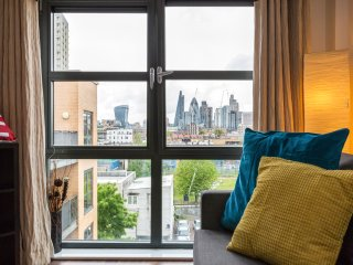 Central London Apartment up to 8! Tower Bridge - London vacation rentals