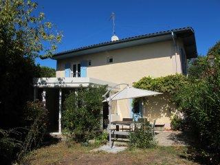 Maison de Vacances Ville d'hiver, terrasse, jardin - Arcachon vacation rentals