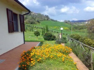Apartment mit POOL in Agriturismo a 23 km dal mare - Montecatini Val di Cecina vacation rentals
