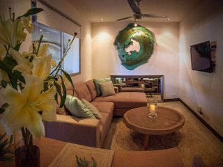 Tamarindo Beach House~Casa Gia~Excellent Location! - Tamarindo vacation rentals