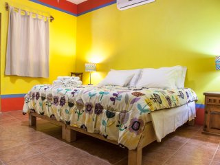 Yellow room B&B Casa Juarez - La Paz vacation rentals