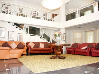 Nice 9 bedroom Bed and Breakfast in Accra - Accra vacation rentals