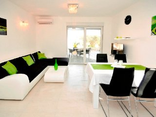 PETRA-APARTMENT WITH POOL - Okrug Gornji vacation rentals