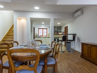 Superior air-conditioned Angel Apartment - Prague vacation rentals