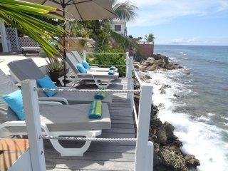 VILLA NICE LOVE  feet in water. Close to maho - Simpson Bay vacation rentals