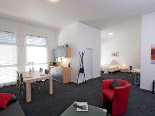 ZG Iris - Zugersee HITrental Apartment Zug - Cham vacation rentals