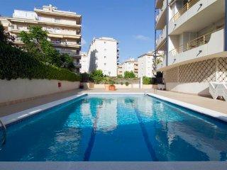 RIBES, centro con piscina cerca de la playa. - Sitges vacation rentals