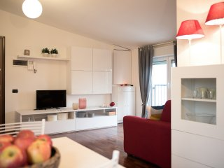 Modern and Bright studio on Red Metro Line! - Sesto San Giovanni vacation rentals