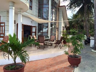 Beach house Ganh Do - a new experience! - Song Cau Town vacation rentals
