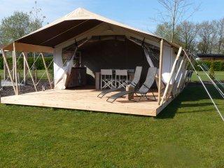 Camping De Wedze, tevens luxe Safaritent  te huur - Twijzel vacation rentals