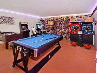 Bright House with Internet Access and A/C - Mooloolaba vacation rentals