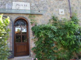 Farmhouse Lisi, authentic Tuscany - Ville di Corsano vacation rentals