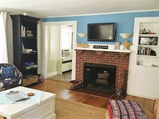 Lovely Cape Cod Vacation Bungalow located in Rock Harbor area of Orleans! - Orleans vacation rentals