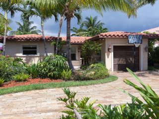 Villa Maria Waterfront family-Home, heated pool, - Pompano Beach vacation rentals