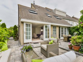 Perfect House with Internet Access and Central Heating - Badhoevedorp vacation rentals