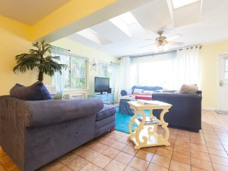 Villa Hibiscus231 Waterfront, SPECIAL SUMMER $159! - Fort Lauderdale vacation rentals