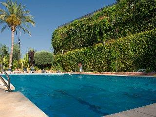 LUXE*Spanish Villa*sleeps 6-8*THREE Pools*A/C - Puerto José Banús vacation rentals