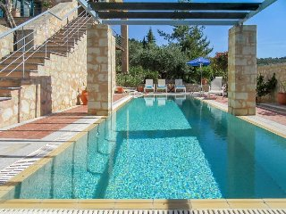 Beautiful Villa with Internet Access and Television - Gavalohori vacation rentals