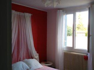 Cozy 3 bedroom Vedene Villa with Internet Access - Vedene vacation rentals