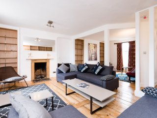 Spacious 6 Bed Cambridge City Centre Escape - Cambridge vacation rentals