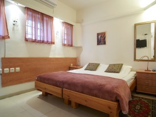 Ariela's Place -Cozy & Central Studio Apartment - Jerusalem vacation rentals