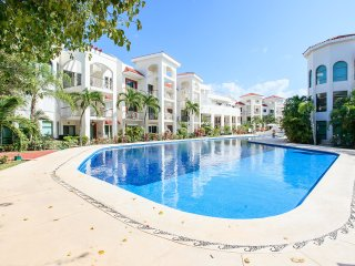 Beautiful Condo in Paseo del Sol 3 bedrooms - Playa del Carmen vacation rentals