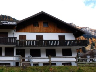 Appartamento ai piedi della Marmolada (BACOSI) - Canazei vacation rentals