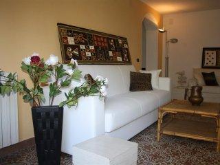 Villa Giol? 200 m from the beach :Appartamento Azzurro - Georgia vacation rentals