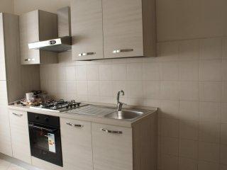 Alloggio ristrutturato con arredamento nuovo - Casale Monferrato vacation rentals
