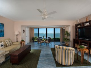 Waterfront ground level 1bedroom -  Mariner Pointe - Sanibel Island vacation rentals