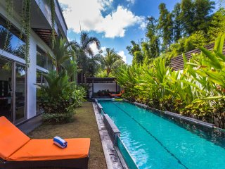 Spacious 4 bedroom Villa in Seminyak with Deck - Seminyak vacation rentals