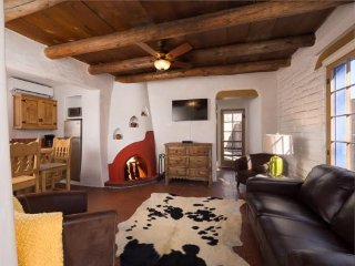 Two Casitas - Besos - Romantic East Side Casita right off of Canyon Road - Santa Fe vacation rentals