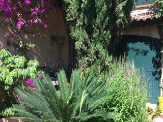 Vitrolles pays d'Aix en Provence - Vitrolles vacation rentals