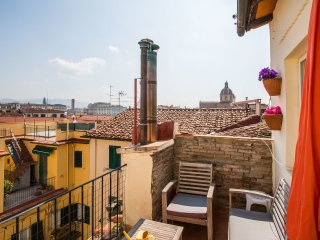 Octopus Apartment - Borgo San Frediano - Florence vacation rentals