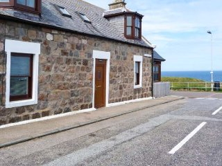 SEASCAPE sea views, spacious cottage, pet-friendly, WiFi in Portknockie Ref 934026 - Portknockie vacation rentals