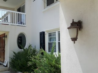 Gorgeous House with Internet Access and A/C - Warwick vacation rentals