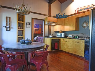 Comfortable 3 bedroom House in Tahoma - Tahoma vacation rentals
