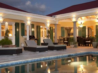 5 bedroom Villa with A/C in Maria Bluff - Maria Bluff vacation rentals